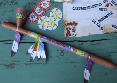 Une Chasse au Trésor - cowboy indien - calumet de la paix