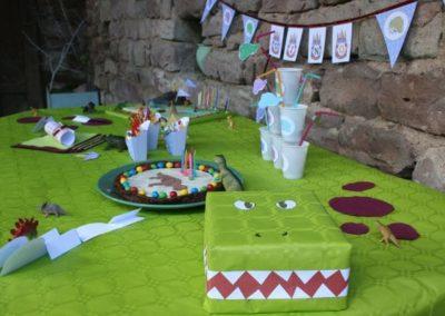 Une Chasse au Trésor dinosaure 4 5 6 7 8 9 10 ans - décoration de table