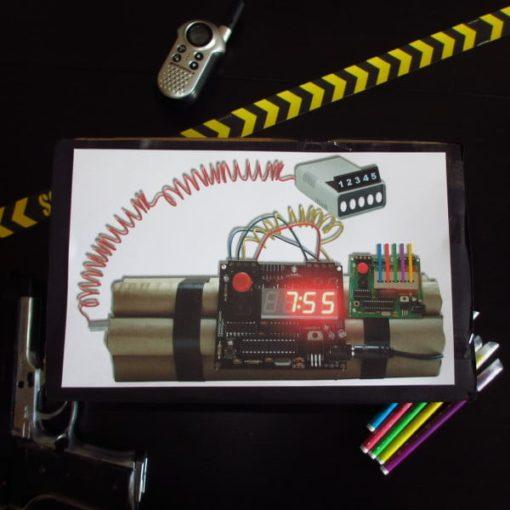 Une Chasse au Trésor espion 4 5 6 7 8 9 10 ans - bombe