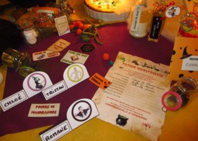 Une Chasse au Trésor - Halloween - décoration table