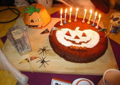 Une Chasse au Trésor - Halloween - décoration pochoir gâteau
