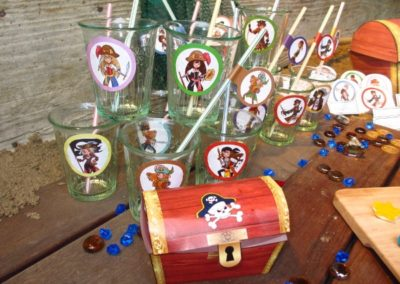 Une Chasse au Trésor - pirate sirène - décoration pailles et verres