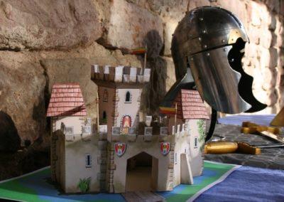 Une Chasse au Trésor - princesse chevalier - château à construire